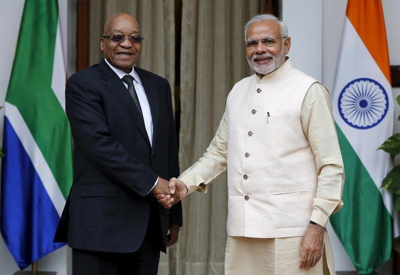 South Africa's President Jacob Zuma (L) shakes hands with India's Prime Minister Narendra Modi during a photo opportunity before the start of their bilateral meeting at Hyderabad House in New Delhi, India, October 28, 2015.
